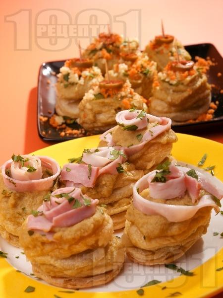 Парти хапки от бутер тесто с грахова паста - снимка на рецептата